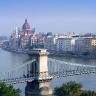 Dunojus teka per Budapeštą, skirdamas jį į Budą ir Peštą