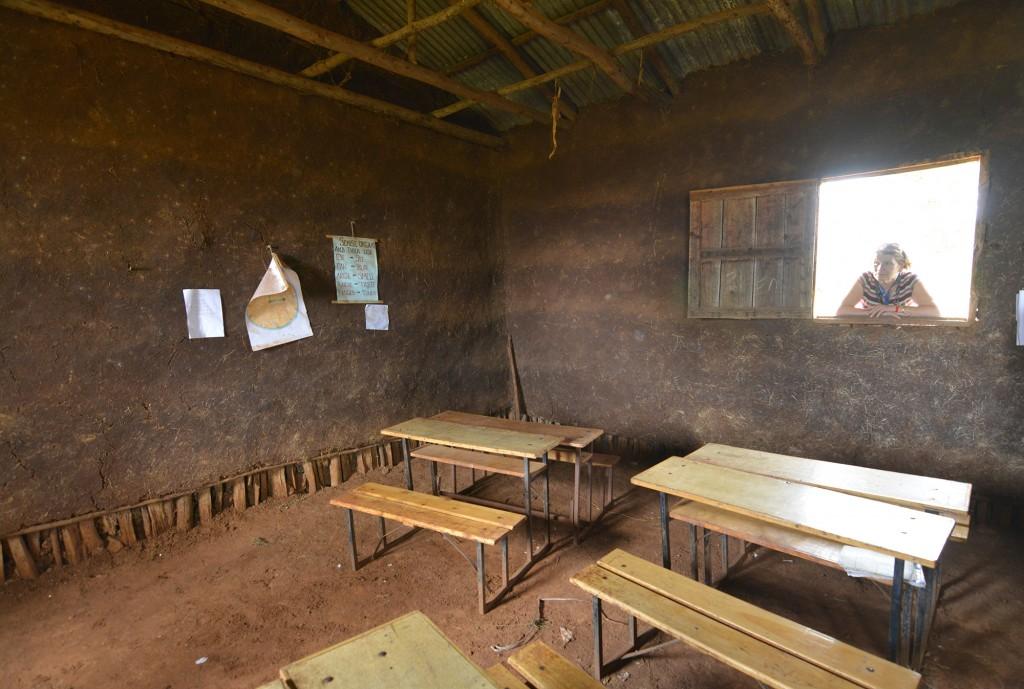 Vida ziuri pro langa dorzes mokykloje