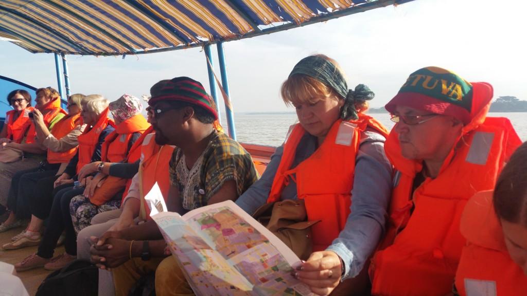 Plaukimas_Tanos_ezeru_LGMA_ekspedicija_Etiopija