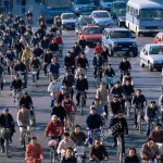 china-asia-beijing-street-scene-commuters-traffic-bicycles-cars-crowds-BX4HH5