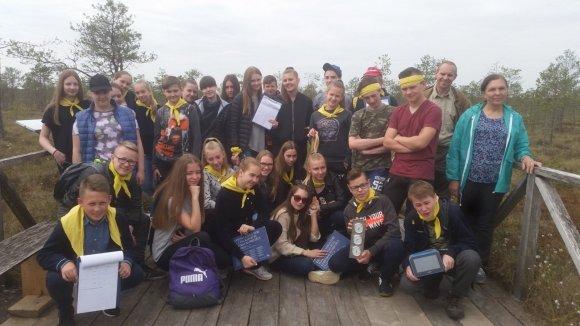 taurages-saltinio-progimnazijos-mokiniai-mokosi-gamtoje-78018109