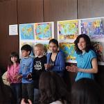 Vaikai su zemelapiu konkurso darbais