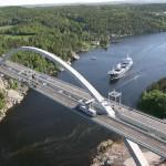 Tiltas per fjordą Norvegijoje