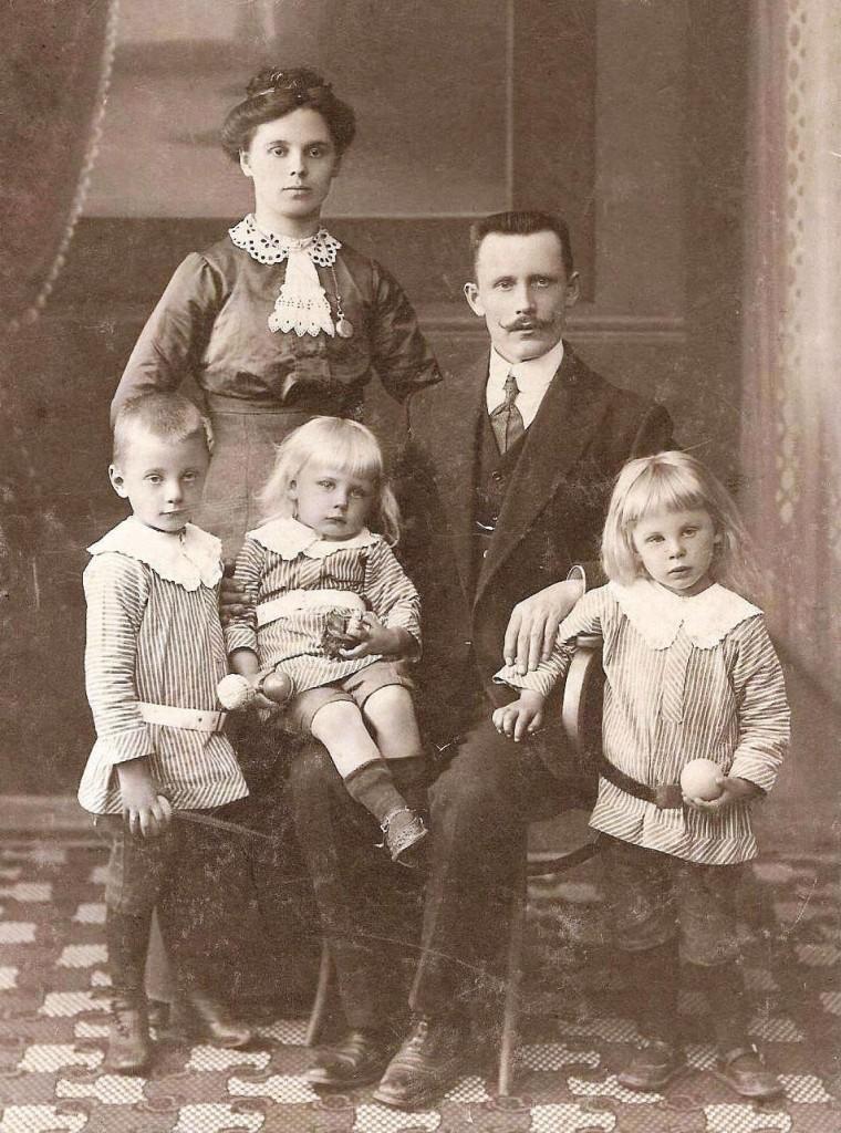 Mykolo ir Paulinos Lugų šeima (Kaunas)